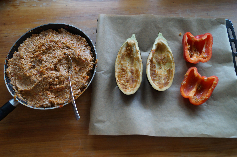 vegetarisch gef llte zucchini aubergine paprika mit quinoa monica ivancan blog. Black Bedroom Furniture Sets. Home Design Ideas